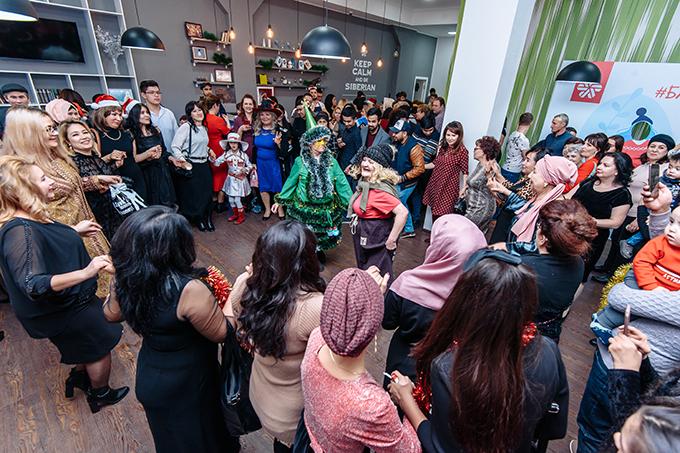 Праздник посетили более 400 человек.
