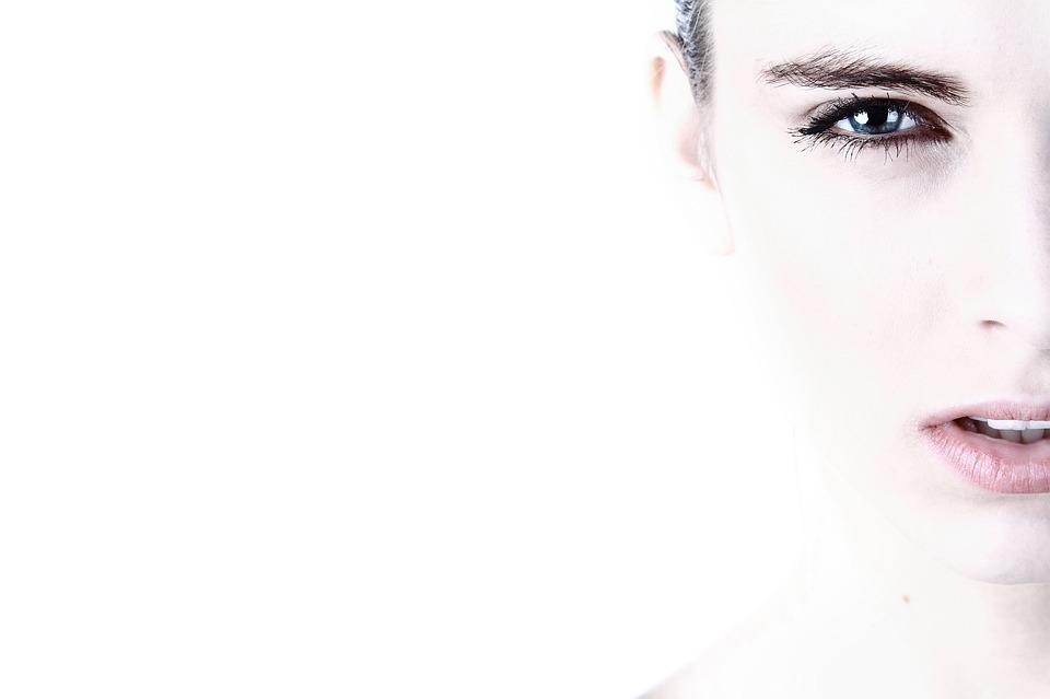 Не нарушая основные гигиенические нормы и не злоупотребляя вредными привычками, можно выглядеть молодо всегда.