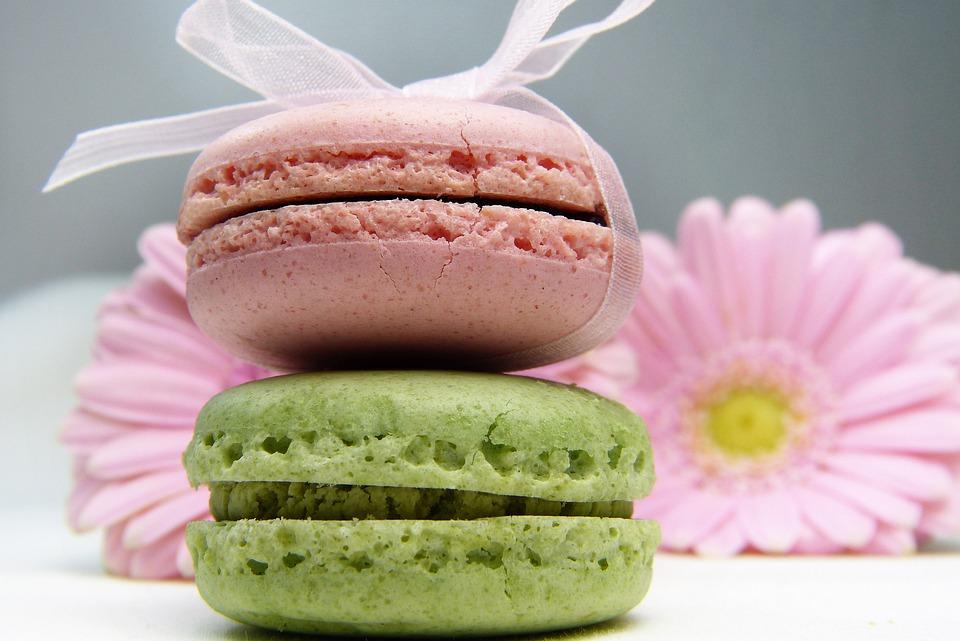 Его плюс не только в насыщенном цвете, но и в лечебных свойствах и натуральности. Такой ингредиент наделяет кондитерские изделия, кремы и другие блюда насыщенным красным цветом.