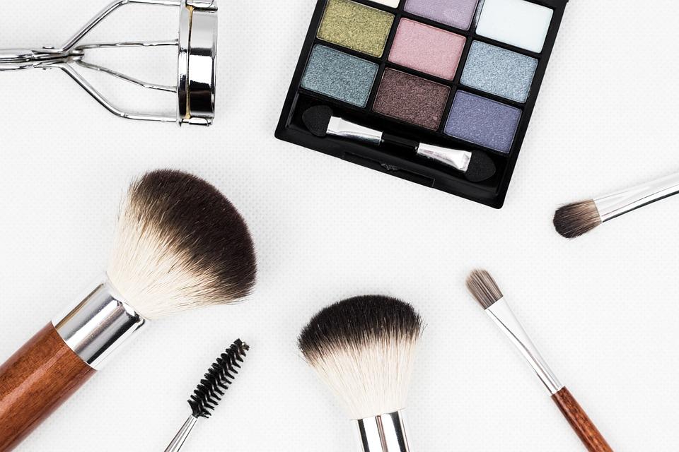 Советы по снятию макияжа