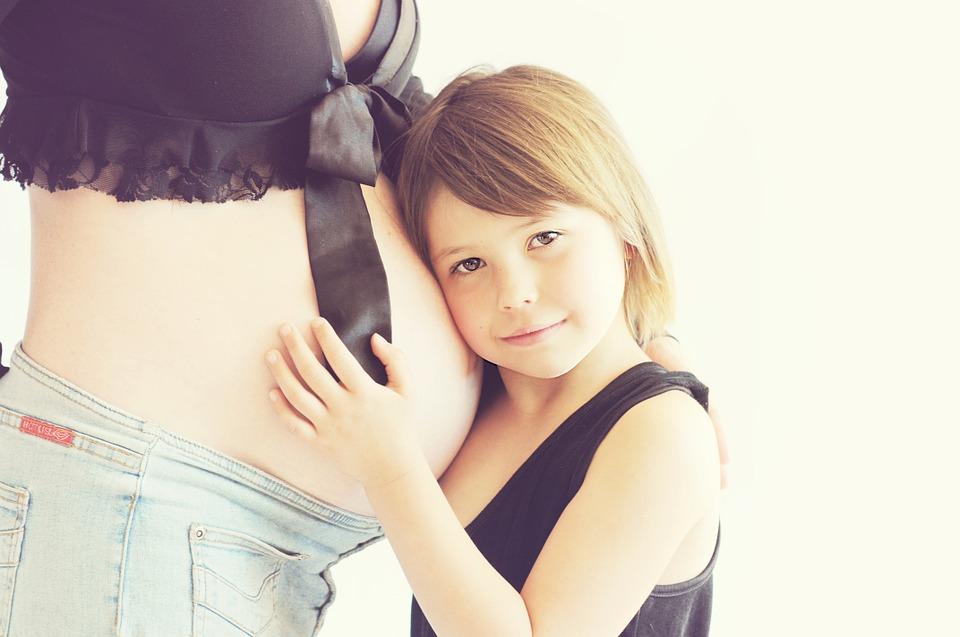 Резкое повышение количества кальция в организме особенно опасно для беременных.