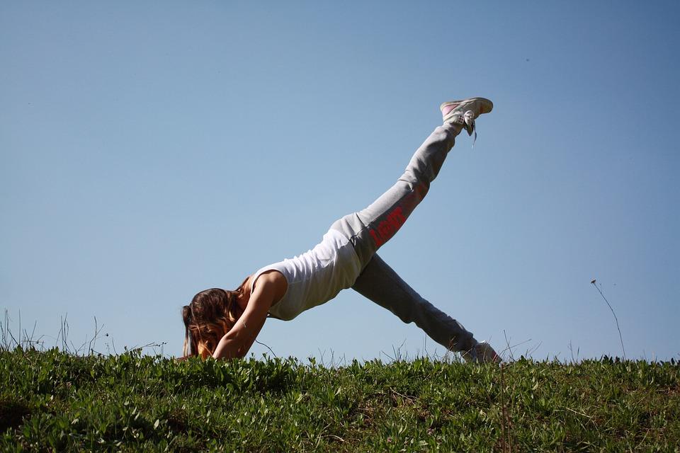 Многие считают, что есть после тренировки нельзя, так как в это время в организме продолжают сжигаться жировые отложения.